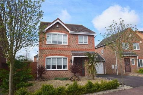 3 bedroom house for sale milton keynes 3 bedroom detached house for sale in cornwall grove