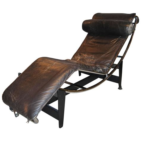 le chaise early le corbusier jeanneret perriand lc4 chaise lounge