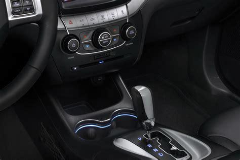 dodge journey facelift  official   details carscoops