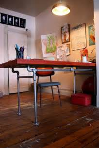 Diy Desk Pipe The Arting Starvist Diy Pipe Desk With Salvaged Door
