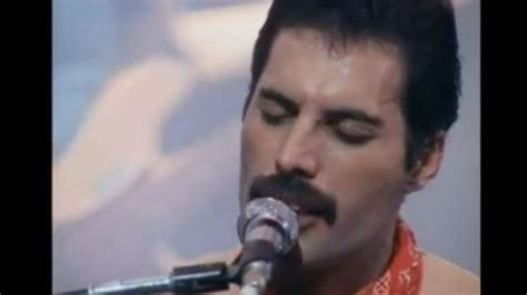 freddie mercury biography youtube spirit of freddie mercury hovers as queen plays tel aviv