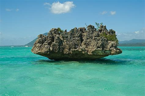coral islet, a photo from black river, south | trekearth