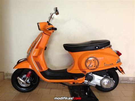 Vespa Modifikasi Warna Orange wts vespa s orange seperti baru