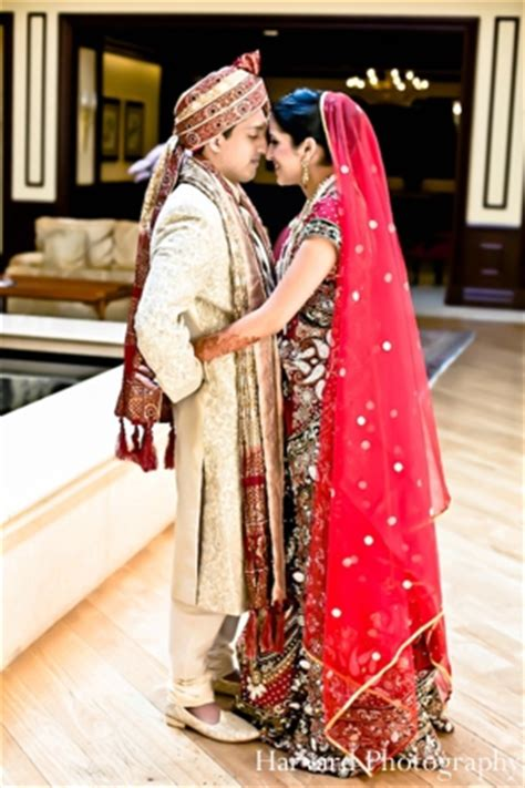 indian wedding couple portrait traditional dress | photo 5273