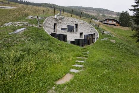 Blähton Fertighaus by Modern Hobbit Houses 12 Works Of Earth Sheltered