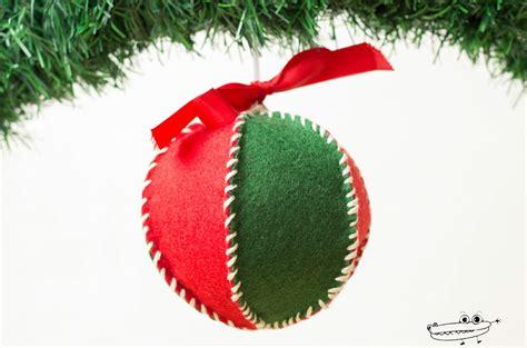 adornos con bolas de navidad bolas de navidad pintadas