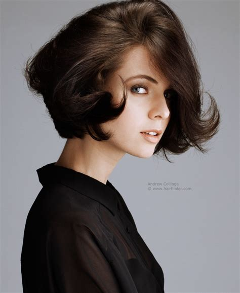 Sexy short hairdo with layering in the back and tips that