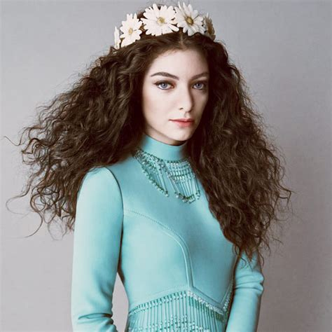 curly hairstyles vogue celebrity hairstyles lorde naturally curly hairstyles