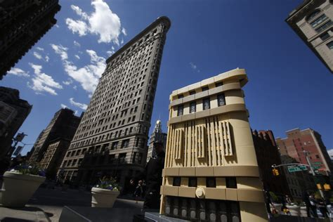 flat architecture lego architecture goes flat for the flatiron building geekdad