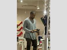 Kanye West Doing Things Normal People Do Too (18 pics ... Nachos