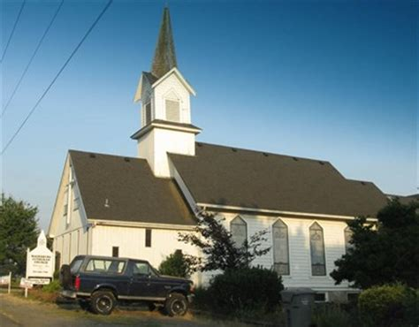 churches in clackamas oregon