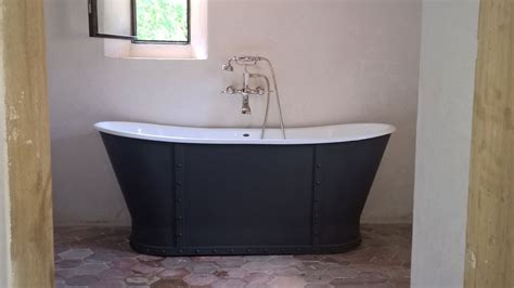 colonne baignoire ilot maison design wiblia