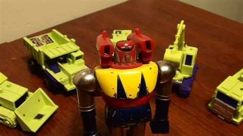 film robot transformer youtube transformers constructicons vintage japanese robot toy