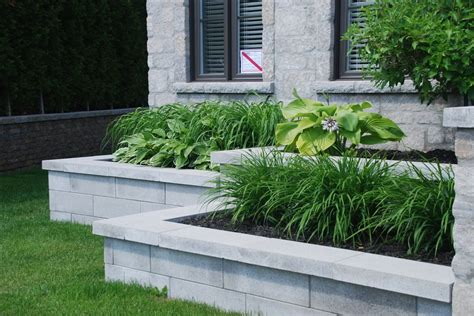 modern retaining wall clean and modern retaining wall made with polished pavers