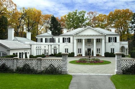 huckleberry house marilyn monroe s dream home celine s florida waterpark home sold new england