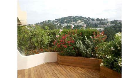 terrazzo fiorito progettare un balcone fiorito