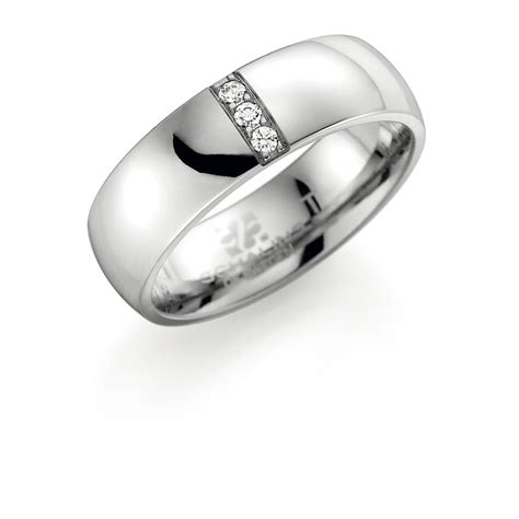 Titan Ring by Cubic Zirkonia Schalins Ringar