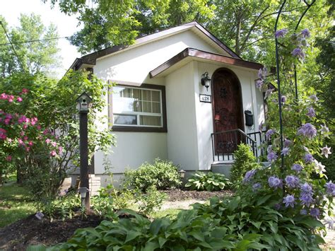 Cottages For Rent Niagara On The Lake by Bramble Cottage In The Of Niagara On The Lake