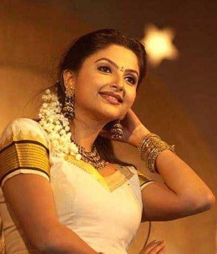 malayalam film narasimham actress name meenakshi biography wiki dob family profile movies list