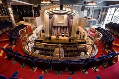Venue Set the set theatre about the venue