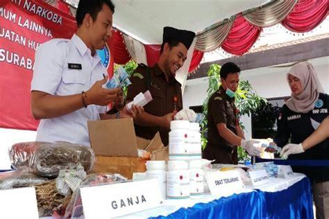 Lu Sorot Di Surabaya kejari surabaya memusnakan barang bukti di kantor bnnp