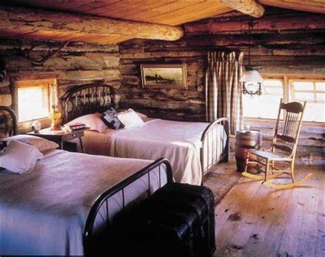 log cabin bedroom decor vignette design design bucket list 5 decorate a cabin in the woods