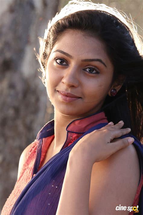 lakshmimenon image foto lakshmi menon tamil actress image gallery hot foto