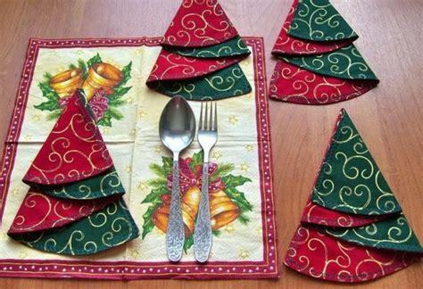 Weihnachtliche Servietten Falten by Servietten Falten Zu Weihnachten 20 Originelle Tischdeko