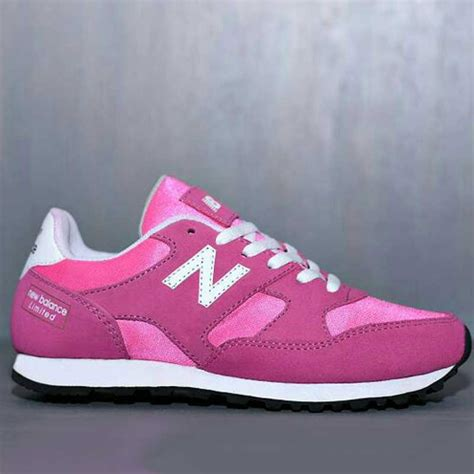 New Sepatu Olahraga Pink Silver Wanita Sekolah Sport Nike Adidas sepatu olahraga new balance wanita nbw 002 omsepatu