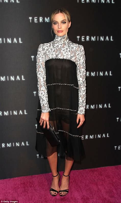 Tuesday Fashion Bits by Margot Robbie Looks Chic Or The Premiere Of New