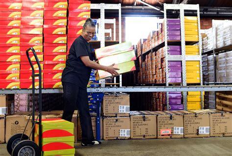 shoe sensation shoe sensation expanding clark county hq plans to add 32