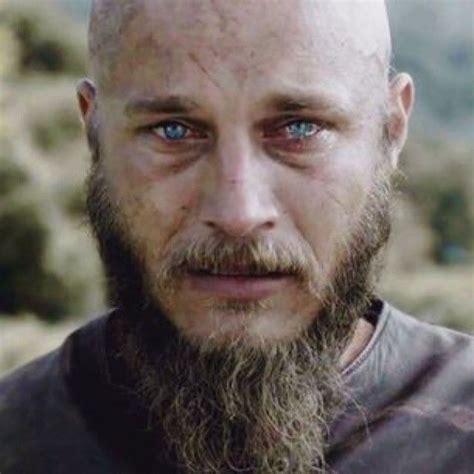 ragnar lodbrok actor ragnar lothbrok actor www pixshark com images