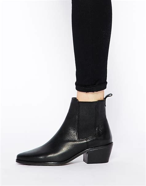 dune peetra black pointed chelsea boots in black lyst