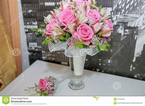 Vases For Bridesmaid Bouquets by Wedding Bouquet For The From Pink Roses In A Vase