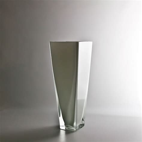 Wholesale White Vases by 12 Quot White Tapered Vase Wholesale Flowers And Supplies