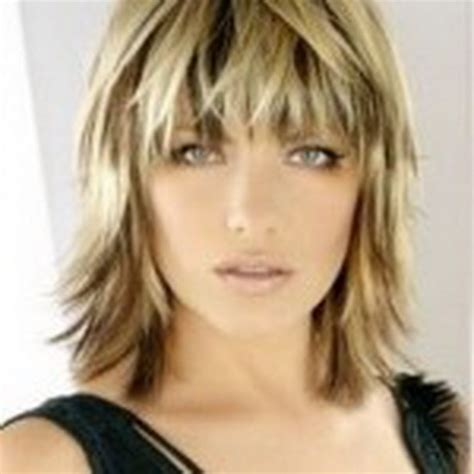 pictures of short feathered haircuts | short hairstyle 2013