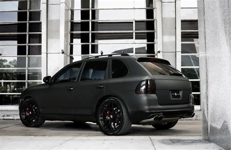 Porsche Cayenne Schwarz Matt by Customized Porsche Cayenne Turbo S Exclusive Motoring