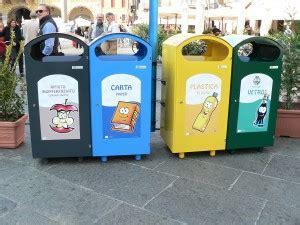raccolta differenziata porta a porta costi rifiuti costi e modelli della raccolta differenziata in