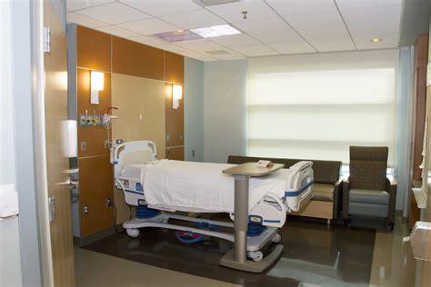 decorate a hospital room hospital emergency room design www pixshark com images