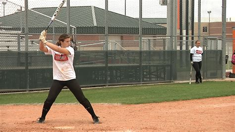 proper batting stance and swing proper softball swing 28 images softball hitting
