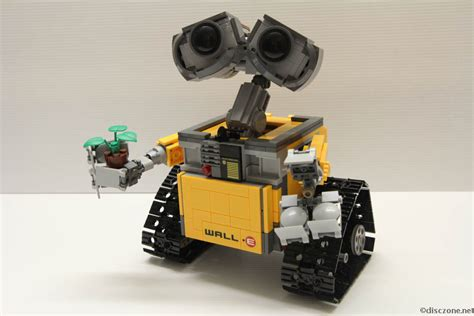 Lego 21303 Wall E By I Bricks review of lego ideas 21303 wall e