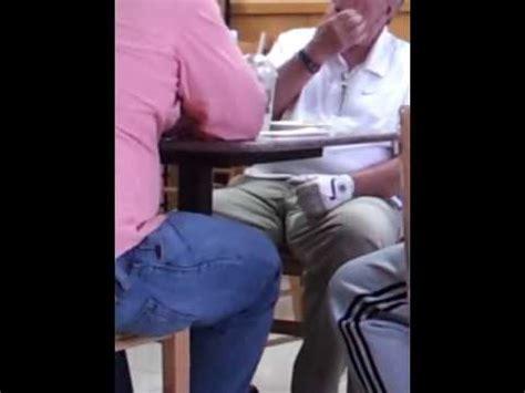 Gordos Zulianos Maduros Verga Granfe Masturvandose   un gran bulto maduro bajo la mesa youtube