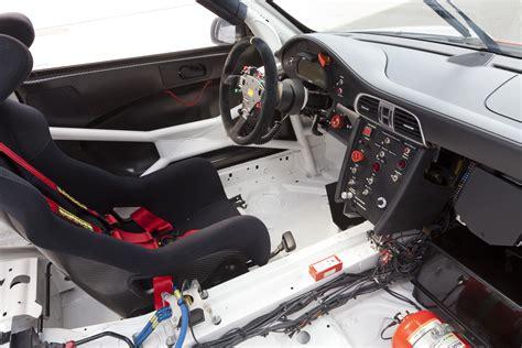 porsche 911 r interior 2012 porsche 911 gt3 r interior eurocar news