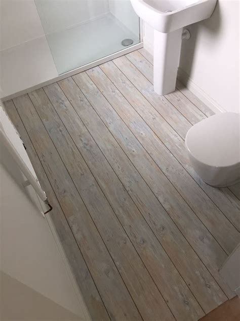 vinyl plank flooring in bathroom best 25 vinyl flooring bathroom ideas only on pinterest