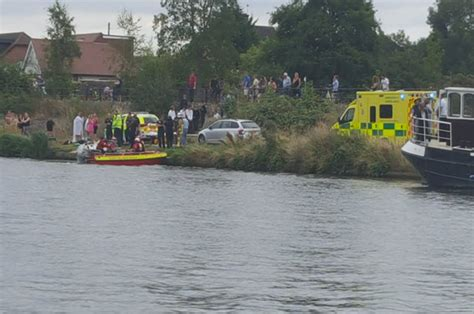 thames river police twitter body of 15 year old boy pulled from river thames near