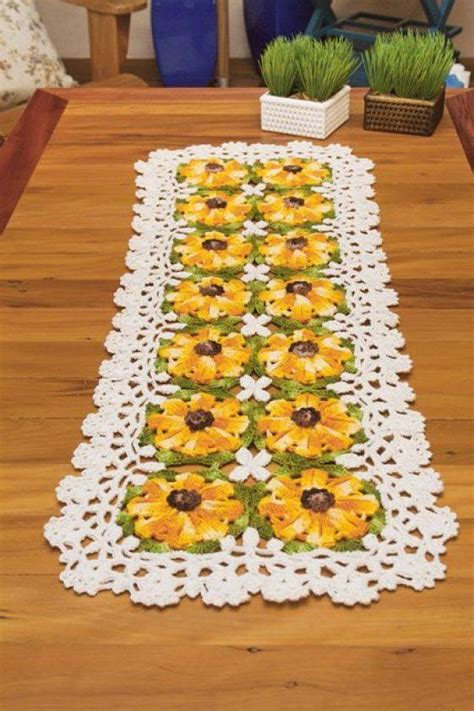 yellow pattern table runner free crochet table runner pattern yellow flowers