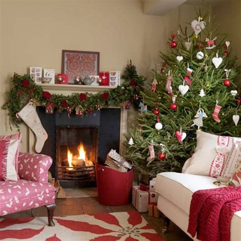 Red Bedroom Ideas 55 dreamy christmas living room d 233 cor ideas digsdigs