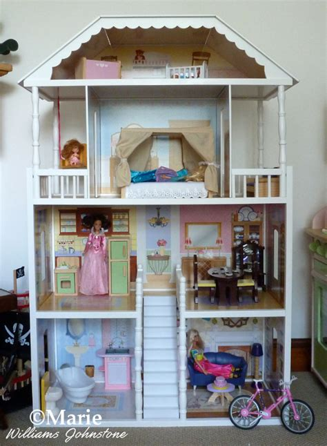 doll houses that fit barbies large dollhouses for barbie size dolls