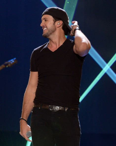 hottest artists in 2000 hottest male country singers of 2013
