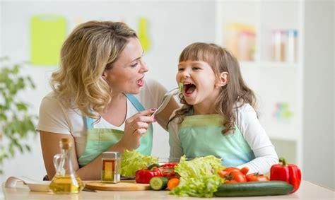 alimentazione sana per bambini bambini alimentazione sana 5 cibi per crescere in salute